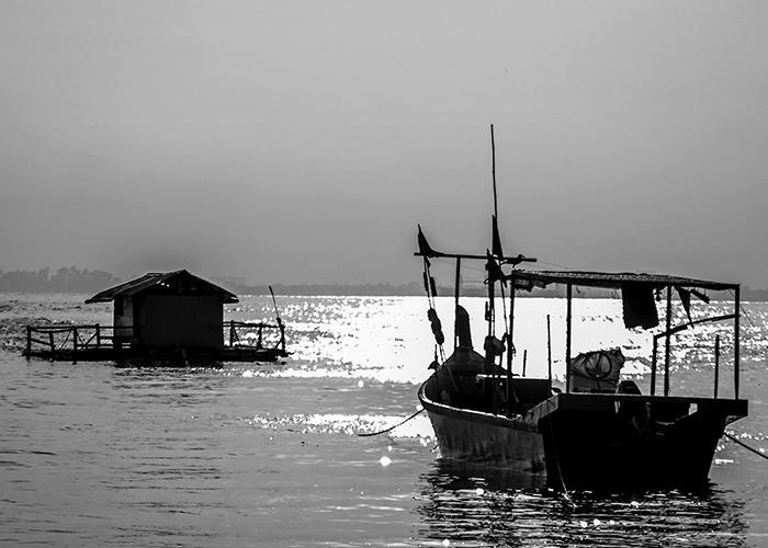 Black & White Photography : Fishing Boat