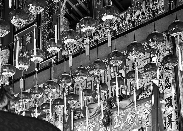 Black & White Photography : rows of lanterns